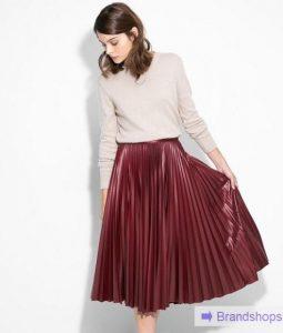 Кожаная юбка-плиссе — кому идет и с чем носить