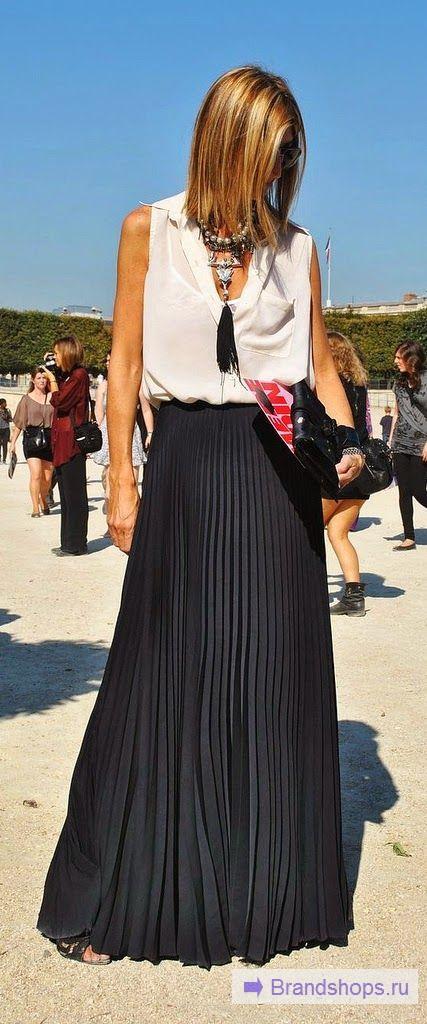 Черная юбка и светлый верх
