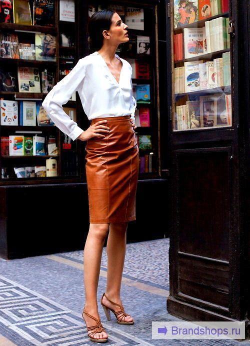 Образ с кожаной юбкой в деловом стиле